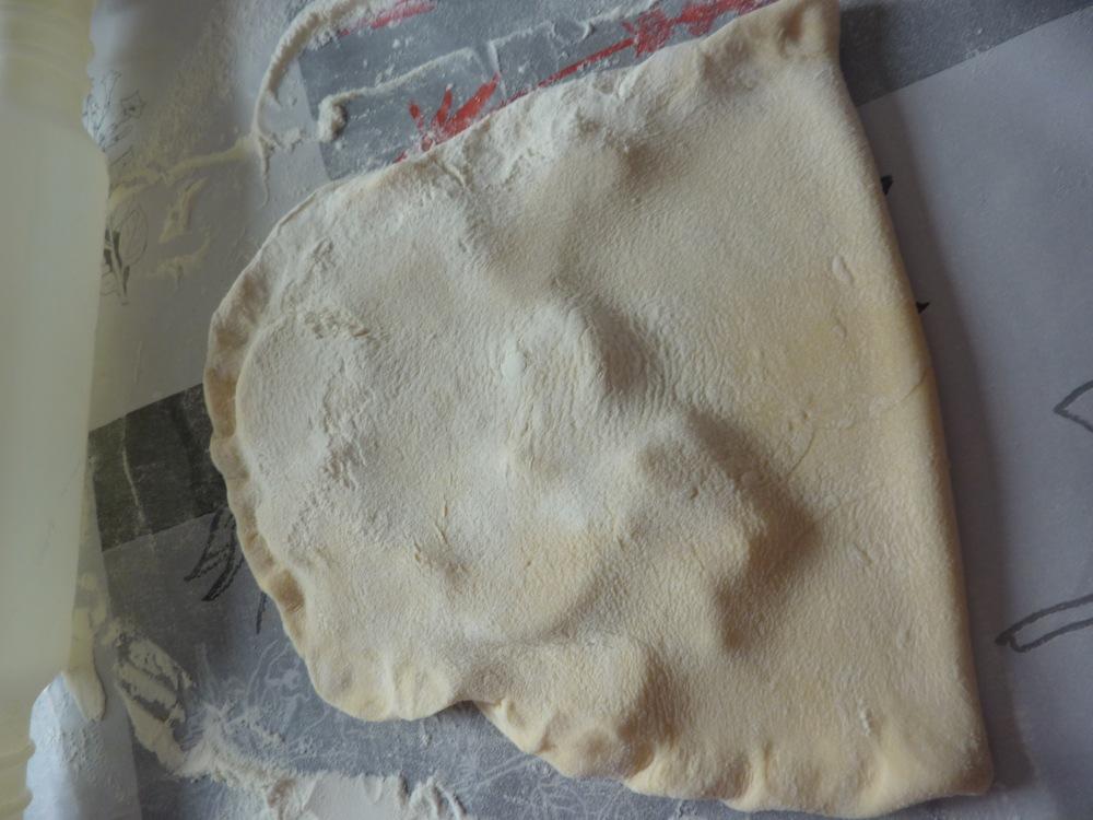Croissants et Pains et chocolat ( recette de la pâte à couque)  (4/6)