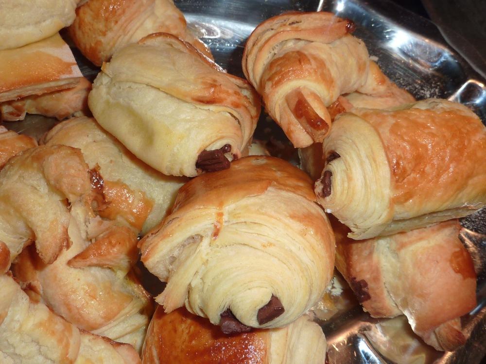 Croissants et Pains et chocolat ( recette de la pâte à couque)  (1/6)